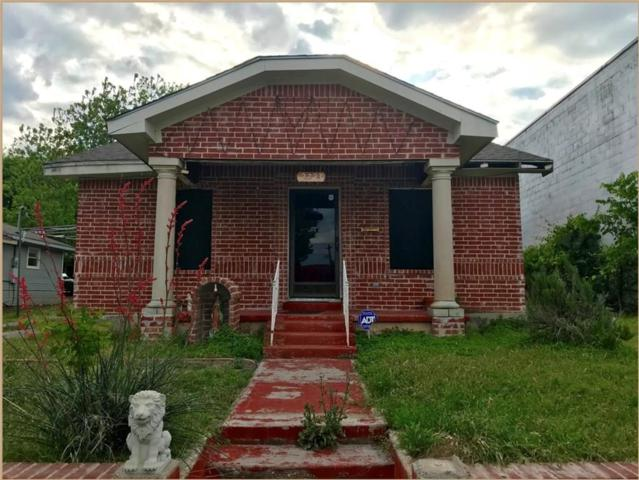 2723 Mckinley Avenue, Fort Worth, TX 76164 (MLS #13917705) :: Frankie Arthur Real Estate
