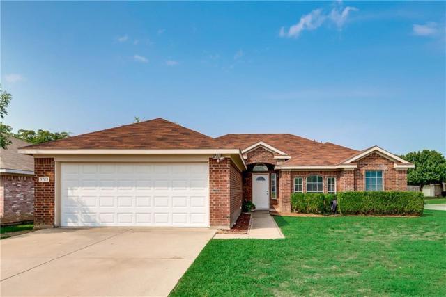 1723 Ryanfeld Drive, Mansfield, TX 76063 (MLS #13920723) :: RE/MAX Town & Country