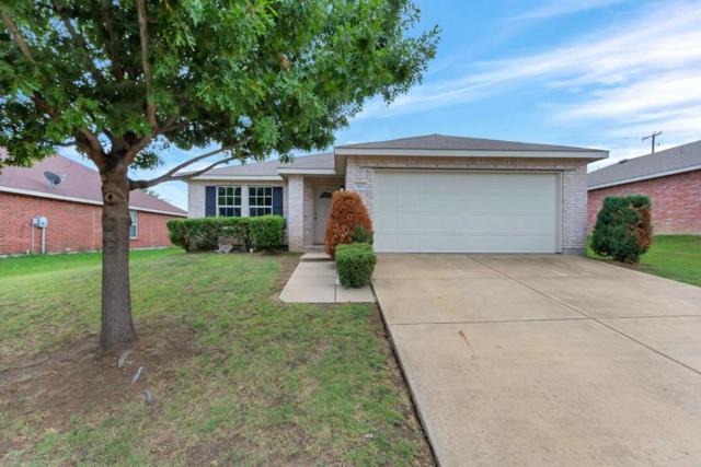 702 Harris Ridge Drive, Arlington, TX 76002 (MLS #13928384) :: RE/MAX Town & Country