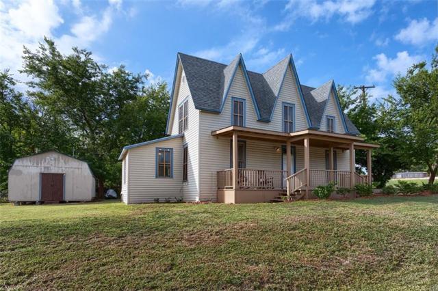 453 E Marshall Street, Van Alstyne, TX 75495 (MLS #13929358) :: RE/MAX Town & Country