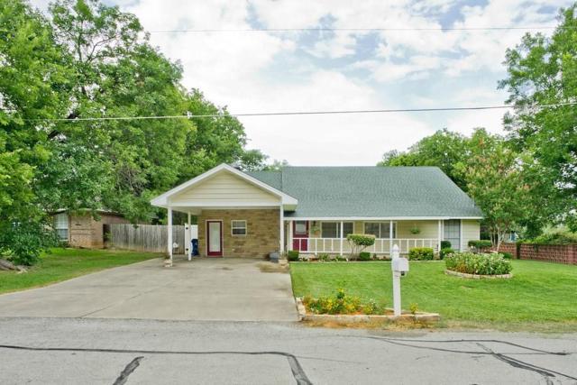 614 W 4th Street W, Justin, TX 76247 (MLS #13933929) :: RE/MAX Town & Country