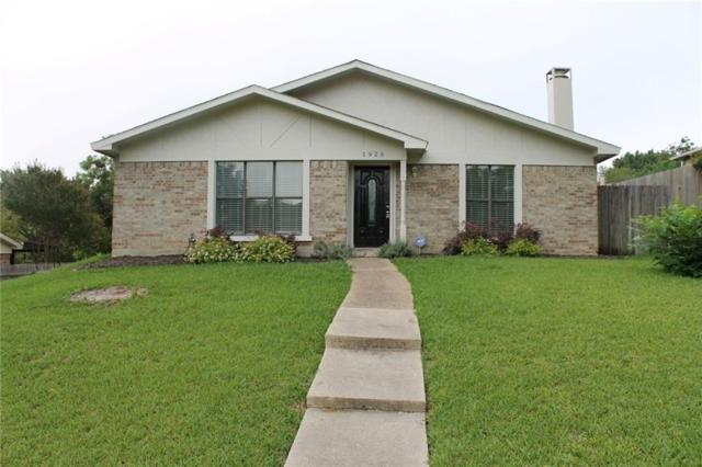 1926 Angelina Drive, Garland, TX 75040 (MLS #13934590) :: The Chad Smith Team