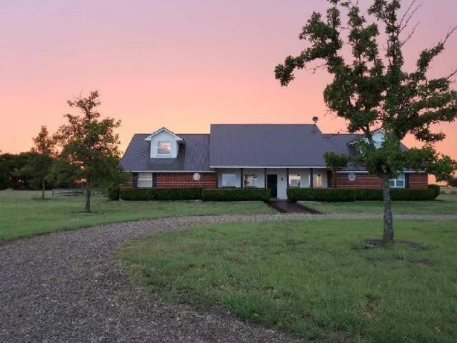 515 County Road 382, Era, TX 76238 (MLS #13934822) :: Robinson Clay Team