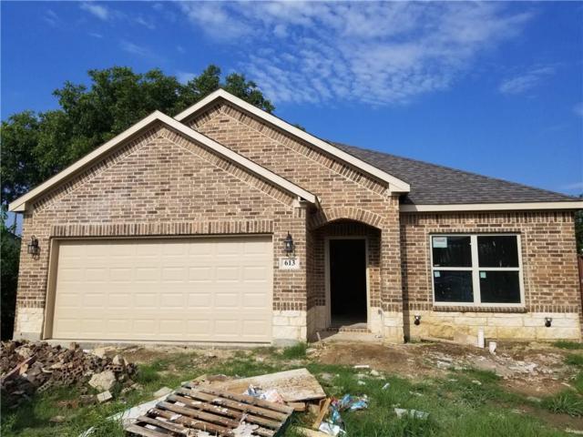 613 14th Street, Grand Prairie, TX 75051 (MLS #13935407) :: RE/MAX Town & Country