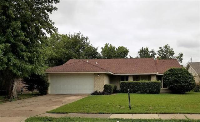 418 W Grenoble Drive, Grand Prairie, TX 75052 (MLS #13936137) :: The Hornburg Real Estate Group