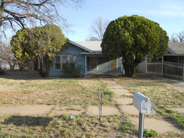 1025 Symonds Place, Stamford, TX 79553 (MLS #13936255) :: RE/MAX Town & Country
