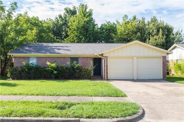 704 Lynnfield Drive, Arlington, TX 76014 (MLS #13936350) :: The Mitchell Group