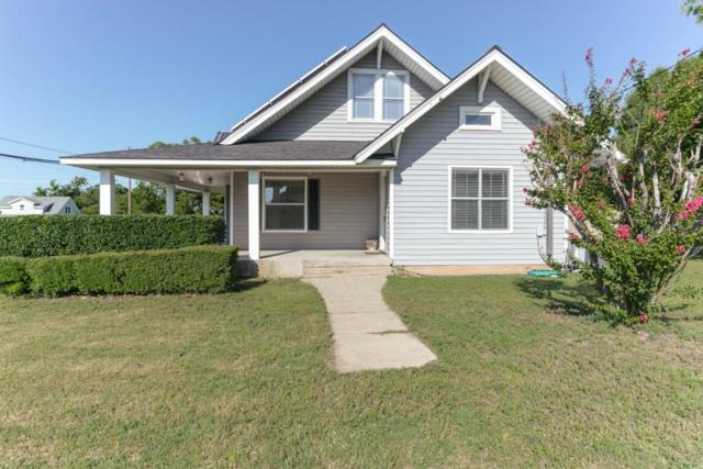 902 S College Avenue, Decatur, TX 76234 (MLS #13937453) :: Frankie Arthur Real Estate