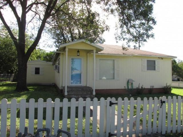 1700 N Davidson Street, Brady, TX 76825 (MLS #13939310) :: RE/MAX Town & Country