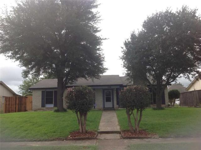 1206 Oakbluff Drive, Lancaster, TX 75146 (MLS #13944129) :: RE/MAX Town & Country