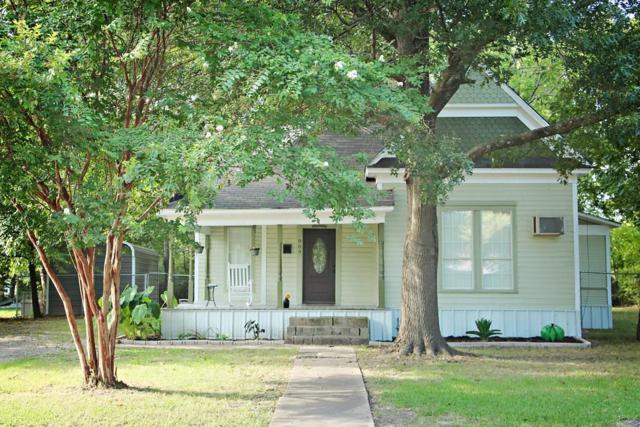 909 W 10th Street, Bonham, TX 75418 (MLS #13945372) :: Magnolia Realty