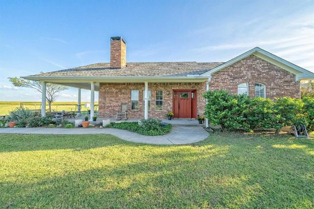 6685 Indian Trail, Sanger, TX 76266 (MLS #13946413) :: RE/MAX Town & Country