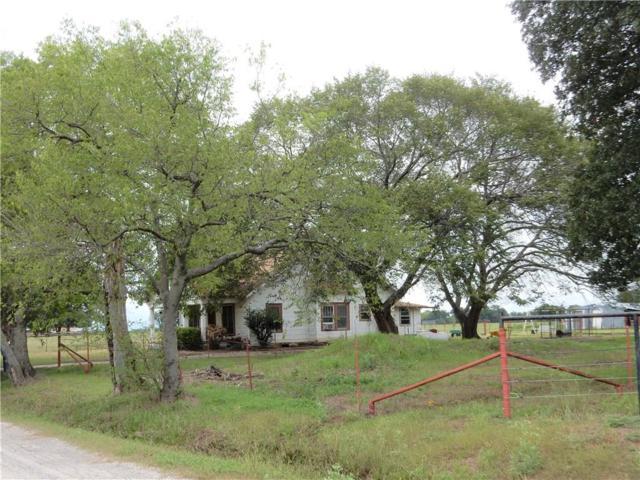 901 Debbie Lane, Pilot Point, TX 76258 (MLS #13946762) :: Magnolia Realty