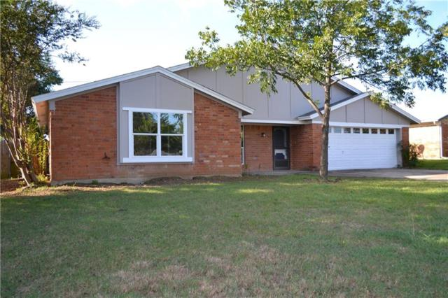 7636 Parkway Drive, North Richland Hills, TX 76182 (MLS #13947578) :: RE/MAX Town & Country