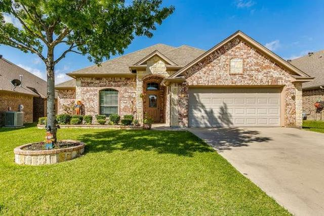 116 Water Wood Drive, Saginaw, TX 76179 (MLS #13948098) :: RE/MAX Town & Country