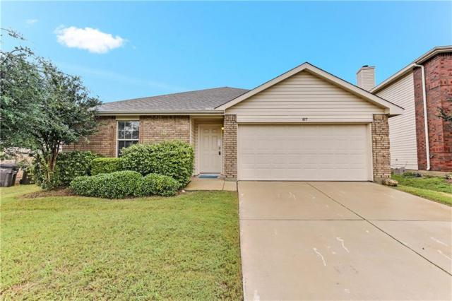 817 San Miguel Trail, Fort Worth, TX 76052 (MLS #13952890) :: RE/MAX Town & Country