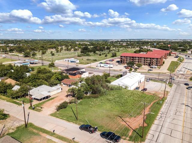 1700 6th, Wichita Falls, TX 76301 (MLS #13954387) :: The Heyl Group at Keller Williams
