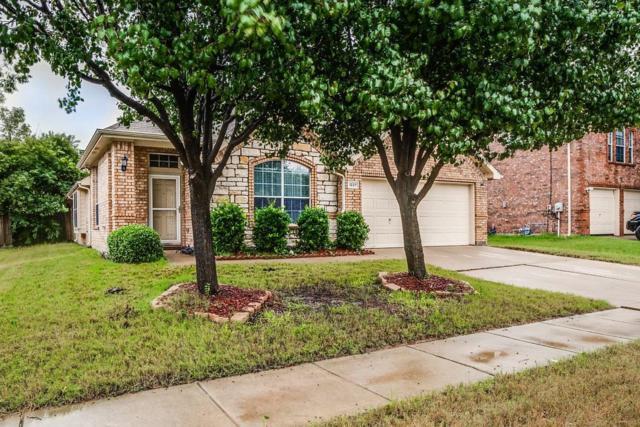 1227 Clearwater Drive, Grand Prairie, TX 75052 (MLS #13954801) :: The Hornburg Real Estate Group