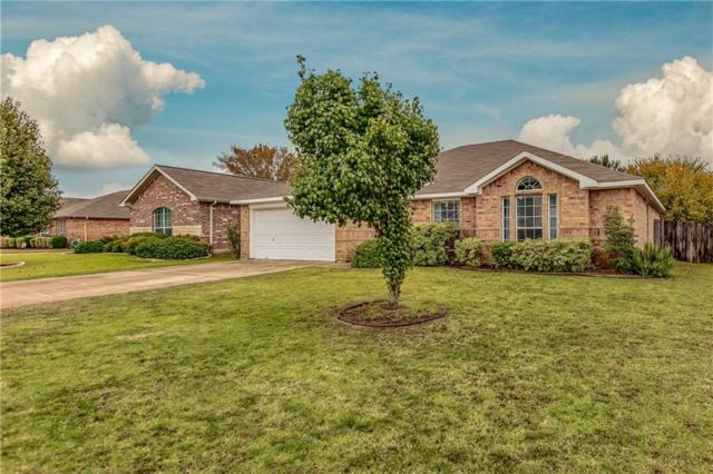 210 Meadowside Drive, Mansfield, TX 76063 (MLS #13961782) :: RE/MAX Town & Country