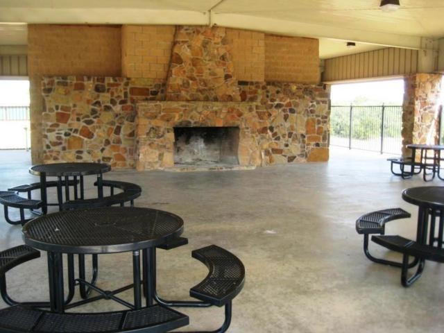 13 Meadow View Court, Sunset, TX 76270 (MLS #13965748) :: Real Estate By Design