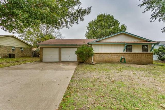 417 Harris Drive, Crowley, TX 76036 (MLS #13970435) :: RE/MAX Pinnacle Group REALTORS