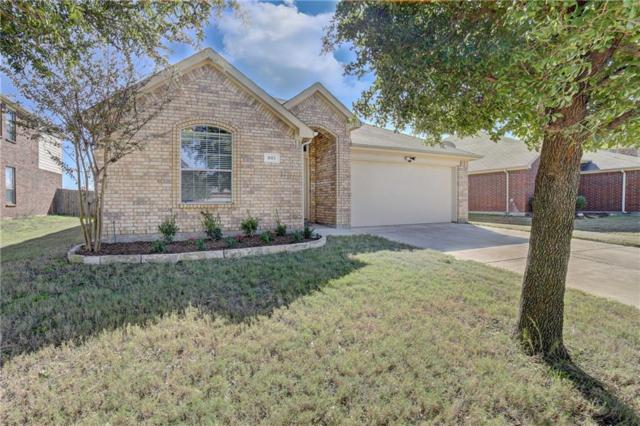 801 W Bend Boulevard, Burleson, TX 76028 (MLS #13975053) :: RE/MAX Town & Country