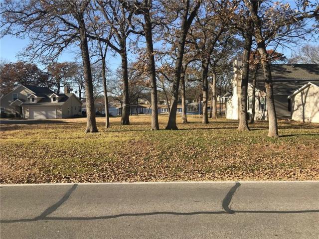 813 Kiowa Dr E, Lake Kiowa, TX 76240 (MLS #13979161) :: The Rhodes Team