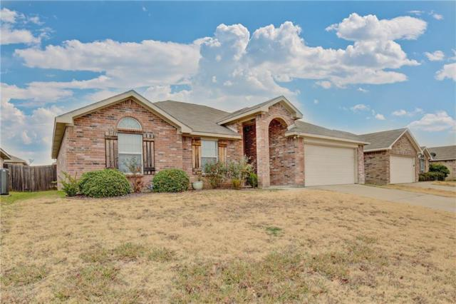 1704 Griffin Lane, Mansfield, TX 76063 (MLS #13983976) :: The Real Estate Station