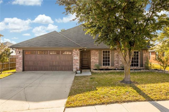 212 Creek Point Lane, Arlington, TX 76002 (MLS #13984562) :: The Heyl Group at Keller Williams
