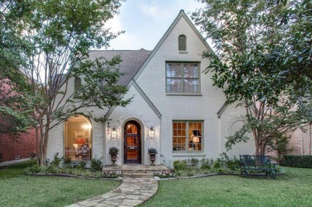 4064 Purdue Avenue, University Park, TX 75225 (MLS #13985479) :: Van Poole Properties Group