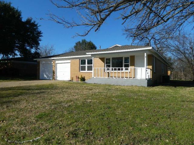 7708 Abbott Drive, White Settlement, TX 76108 (MLS #13987112) :: Kimberly Davis & Associates