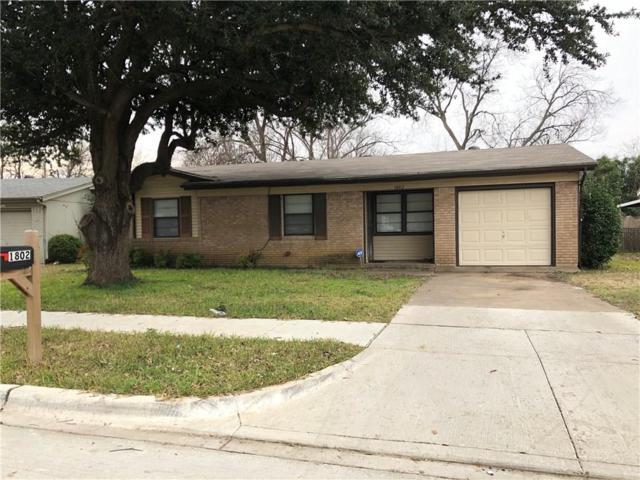 1802 Kent Drive, Arlington, TX 76010 (MLS #13989791) :: Frankie Arthur Real Estate