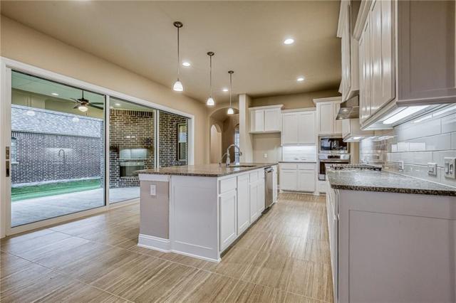 4971 Lockwood Drive, Prosper, TX 75078 (MLS #14000902) :: Real Estate By Design