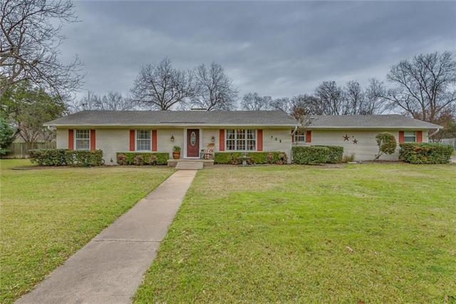 908 W Westhill Drive, Cleburne, TX 76033 (MLS #14003731) :: Baldree Home Team