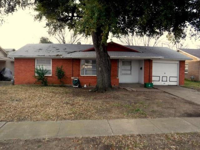 2017 Proctor Drive, Grand Prairie, TX 75051 (MLS #14003930) :: The Holman Group