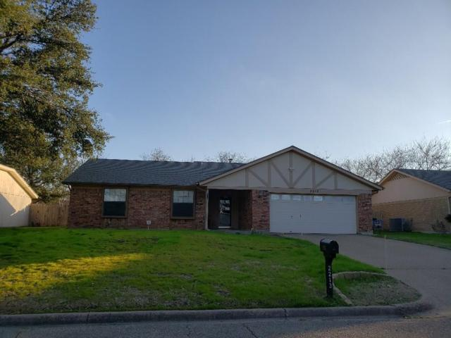 2213 Towne North Drive, Cleburne, TX 76033 (MLS #14006700) :: Potts Realty Group