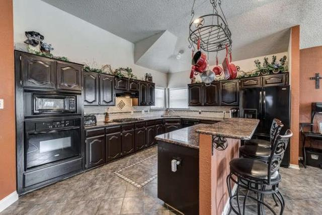 1000 Hopkins Drive, Allen, TX 75002 (MLS #14008000) :: RE/MAX Town & Country