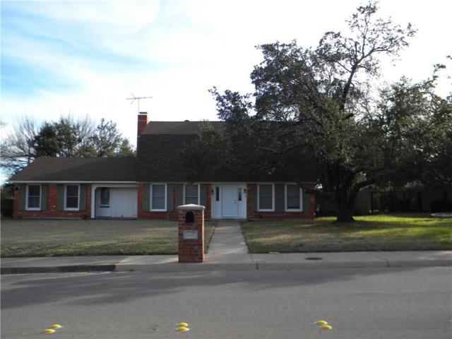 909 W Russell Street, Weatherford, TX 76086 (MLS #14008203) :: The Gleva Team
