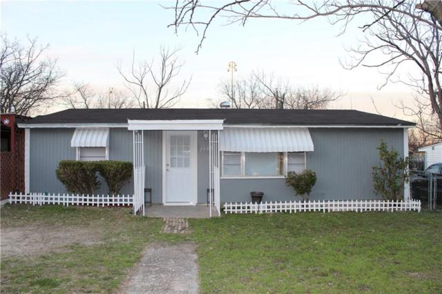 7940 Downe Drive, White Settlement, TX 76108 (MLS #14009520) :: RE/MAX Landmark