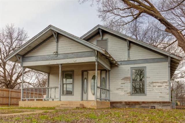 108 W Flake Street, Pilot Point, TX 76258 (MLS #14009855) :: The Heyl Group at Keller Williams