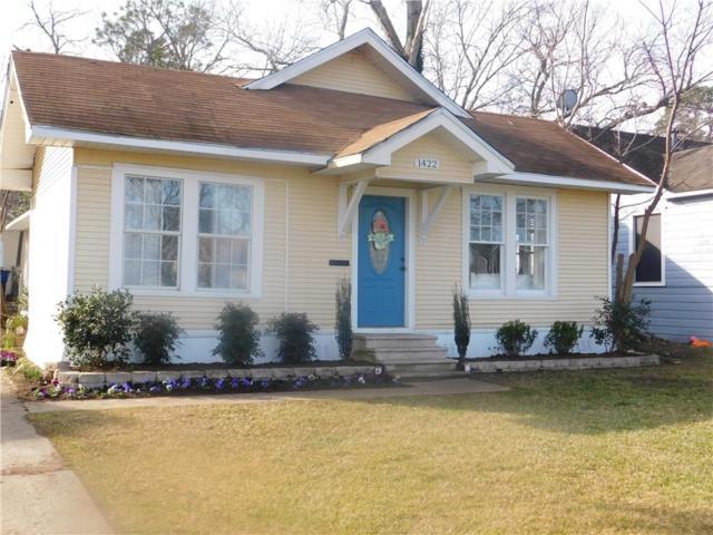 1422 W Sears Street, Denison, TX 75020 (MLS #14010119) :: Kimberly Davis & Associates