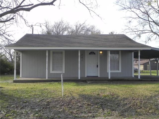 301 W Newton Street, Terrell, TX 75160 (MLS #14016897) :: RE/MAX Town & Country