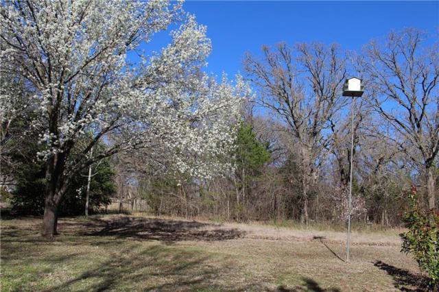 64 Post Oak Drive, Pottsboro, TX 75076 (MLS #14018432) :: Frankie Arthur Real Estate