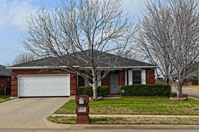 1058 Roundrock Drive, Saginaw, TX 76179 (MLS #14019691) :: RE/MAX Town & Country