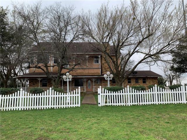 585 Tar Road, Cedar Hill, TX 76065 (MLS #14021901) :: Kimberly Davis & Associates