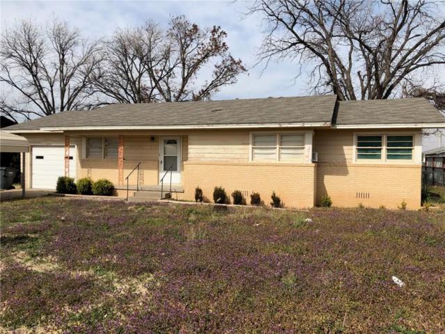 208 W Custer, Seymour, TX 76380 (MLS #14024758) :: Robinson Clay Team