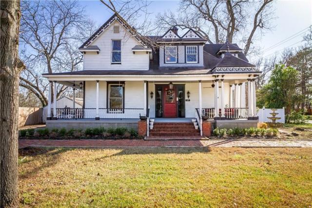 325 W Grove Street, Pilot Point, TX 76258 (MLS #14024832) :: Robbins Real Estate Group