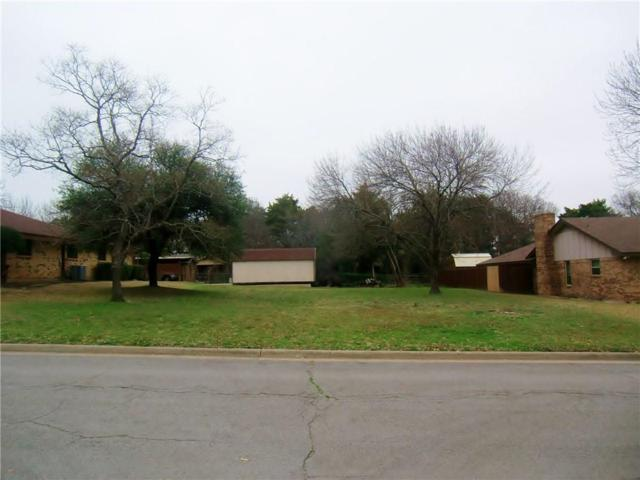 1519 Sharon Drive, Cedar Hill, TX 75104 (MLS #14025060) :: Kimberly Davis & Associates