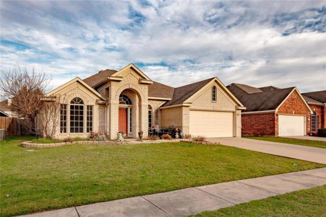 4208 Adam Drive, Grand Prairie, TX 75052 (MLS #14025428) :: Frankie Arthur Real Estate