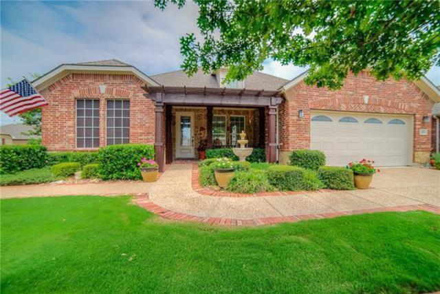 2556 Saddlehorn Drive, Little Elm, TX 75068 (MLS #14026049) :: Roberts Real Estate Group